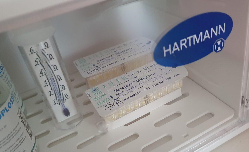 Microbiologisch onderzoek: hier staan de kweekjes in de broedstoof.